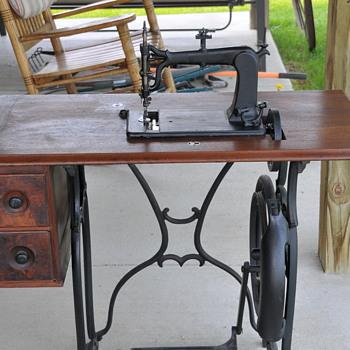 Weed FF sewing machine - Sewing