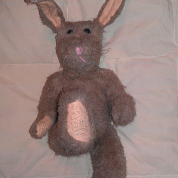 Help Identify this old Bunny..... 