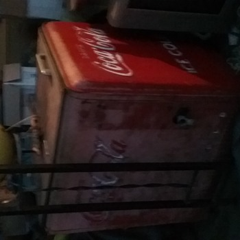 small gull wing top coca cola cooler