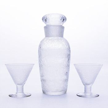 Swedish cocktail shaker and matching glasses, unknown maker. - Art Glass