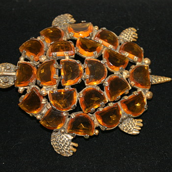 Very Large Tortoise Brooch - Mystery solved?   - Costume Jewelry