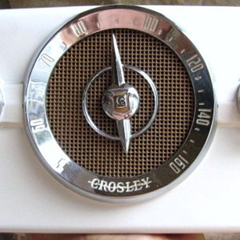 "1950 Crosley Model 10-135 ""Dashboard"" Radio - Radios"