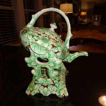 Tipping teapot with burner stand - Pottery