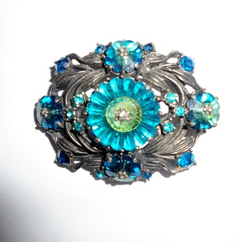 Weiss Vintage Brooch - Costume Jewelry