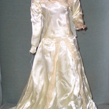 My new counter-top bridal mannequin doll and her restoration... - Dolls