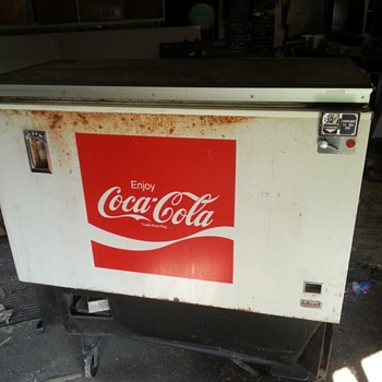 cocal cola vending machine
