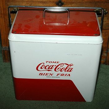 Coca-Cola red white ice box
