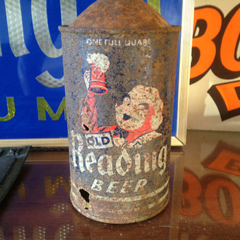 Old Reading Beer Quart Cone Top Can - Breweriana