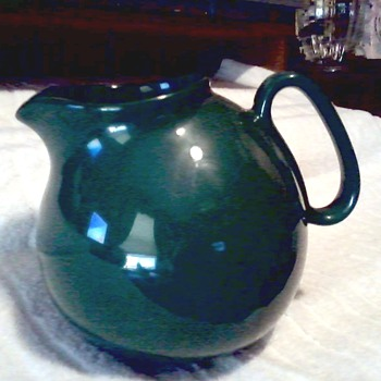 Vintage Hunter Green Waechtersbach Spain Ball Pitcher / Circa 19 ??