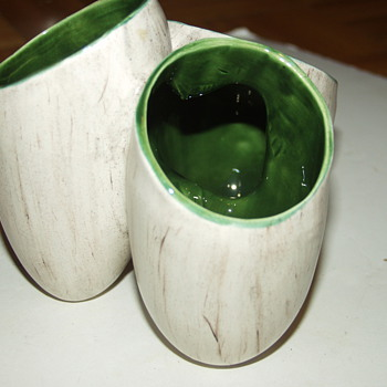 Vintage Art Pottery Triple Vase Wood Grain Glaze  - Art Pottery