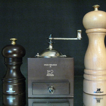 PEUGEOT FRANCE -SALT-PEPPER GRINDER & EPICES ROELLINGER