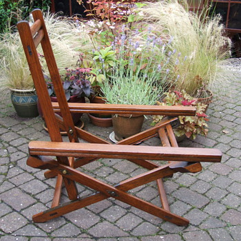 FOLDING CHAIRS - Furniture