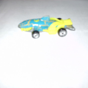 1998   HOTWHEELS  SHARK   CAR?