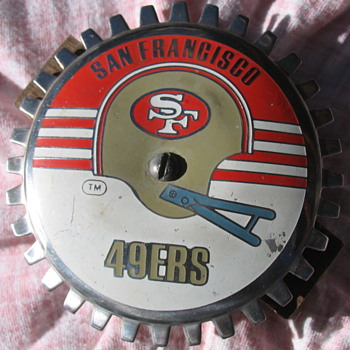 Grille Badge Emblem W San Francisco 49ers Helmet Logo: 1964 - 1988 - Football