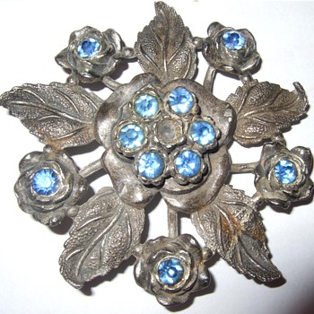 Little Nemo Costume Jewlery Floral... DATE??? - Costume Jewelry