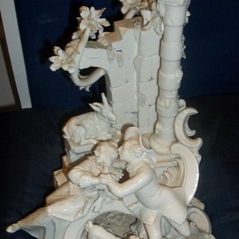 Mystery item ... anyone know where this was made? - Figurines