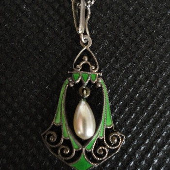 Jugendstil Silver and Enamel Pendant by Kollmar & Jourdan of Pforzheim c. 1900 - Fine Jewelry