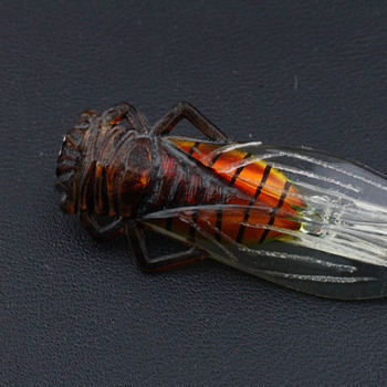 Ciccada brooch - Costume Jewelry