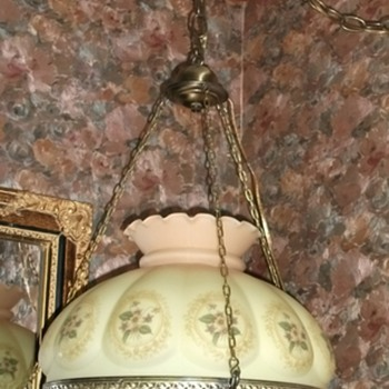 1940's Vintage GWTW hanging lamp with crystal prisms