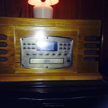 Wooden Table Top Radio