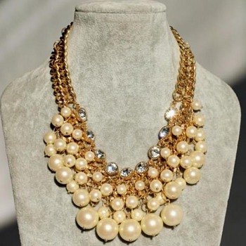 Mu favorite pearl necklace