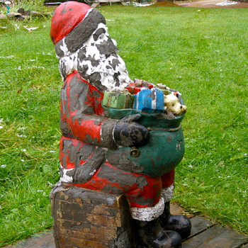 vintage fiberglass Santa - 3 feet tall what age?