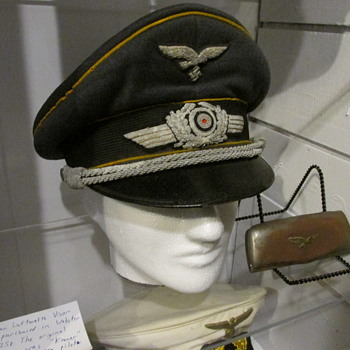 WWII German Luftwaffe Pilot Officer Visor Cap