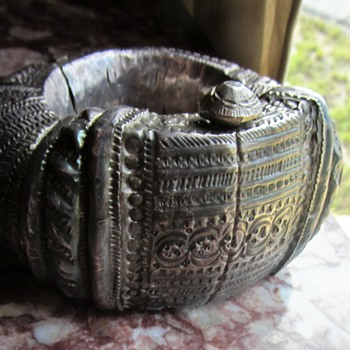 ANTIQUE STERLING SILVER ASIAN MYSTERY BRACELET