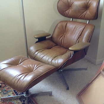 Eames Style Lounge Chair and footrest