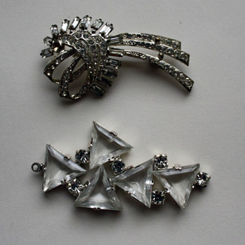 Vintage brooch, 1930s? 1940s?  - Costume Jewelry
