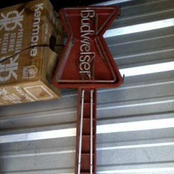 Vintage Guitar Budweiser Neon Light