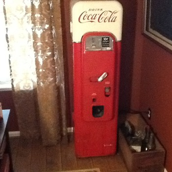 Vendo 44 Coca Cola machine.