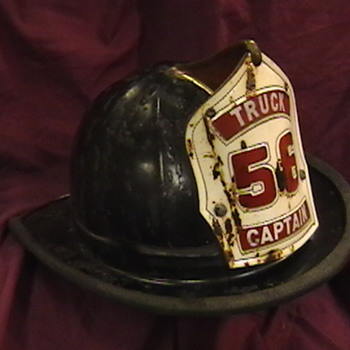 Chicago Firefighter  Captain's Helmet