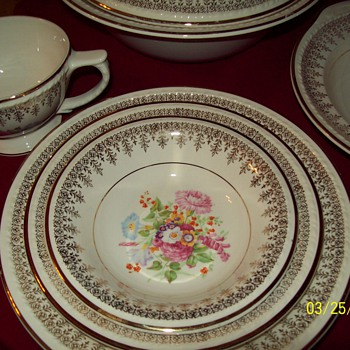 111 piece Smith Taylor Lamode Pattern 1684 - China and Dinnerware