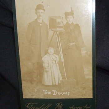 Help in identifying camera in this cabinet card - Cameras