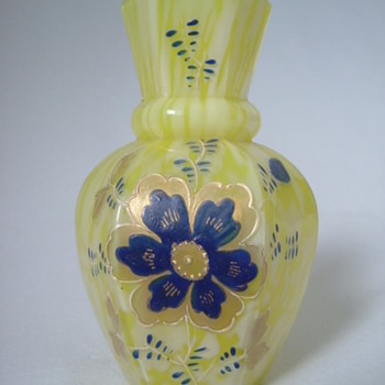 Welz Spatter Posy Vase with enamelling. - Art Glass