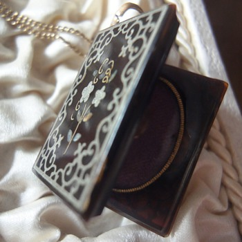 Rare Piqué photo locket/medaillon  - Fine Jewelry