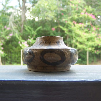 "small heavy pottery marked ""K"""