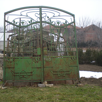 """One ton of Art Nouveau"""