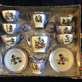 Lusterware Mickey Mouse tea set - Advertising