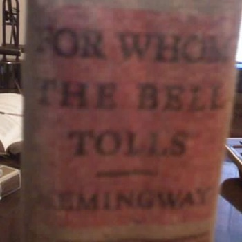 Ernest Hemmingway - For whom the bell tolls - Books