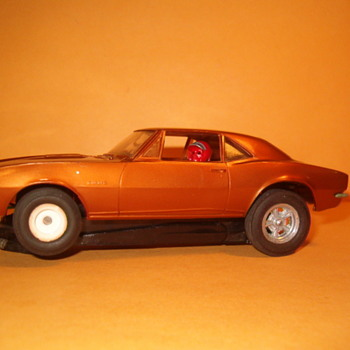 REVELL 67 CAMARO SS WHEELIE CHASSIS 1/32ND SCALE - Model Cars