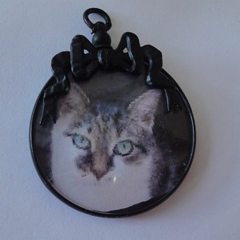 Blackened Metal Photo Pendant nineteenth century, mourning jewelry