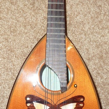 Vintage Ventura Bowl Back Mandolin, Exellent condition - Guitars