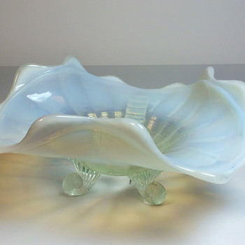 Opalescent Ruffled Bowl