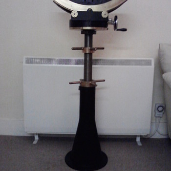 Trying to find info on this camera stand - Cameras