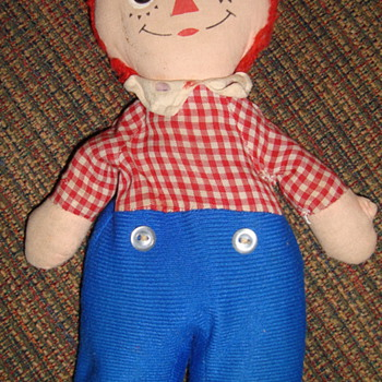 Very Different Raggedy Andy! Unknown Date????? - Dolls