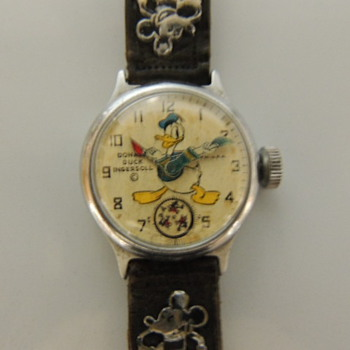 Donald Duck wrist watches