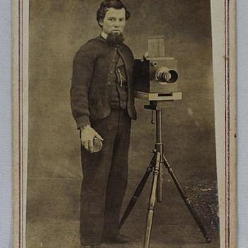 Another CDV with a 1/2 plate Roberts Dag camera + Iron Stand - Cameras