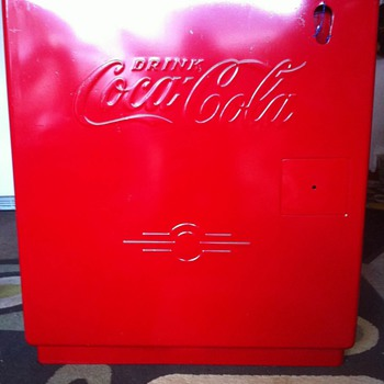Coke Ice Chest ( Kelvinator ? )